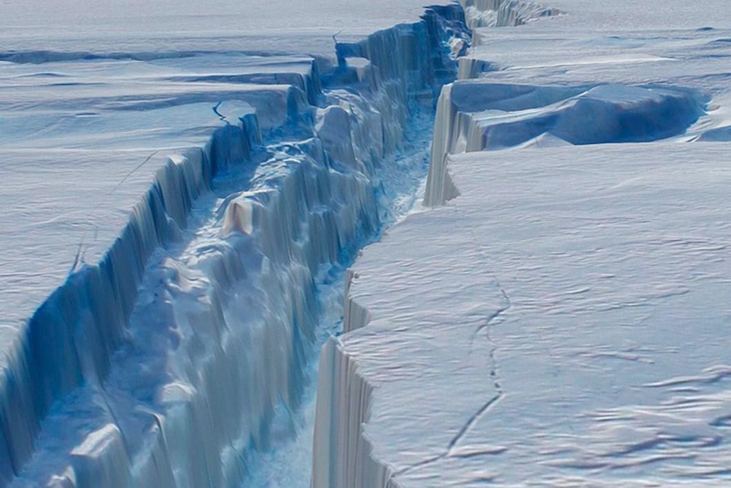 Pine Island Glacier Crack NASA