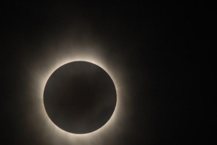 total solar eclipse_2017_08_17.jpg