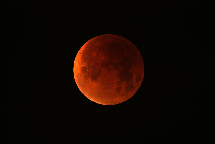 blood-moon_2019-07-08.jpg