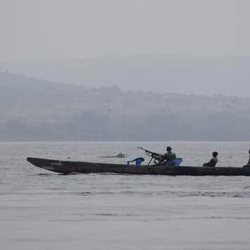 Barge Congo River Rifle 2014 11 05